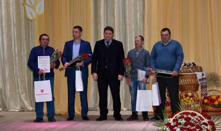 Лучшие труженики брянских полей получили награды от предприятия «Брянсксельмаш»