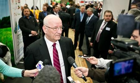 Губернатор Оренбургской области оценил потенциал техники «Брянсксельмаш» на выставке «АГРО-2018»
