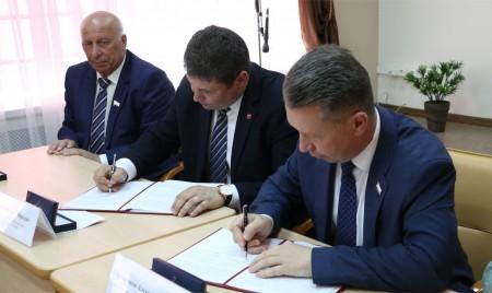 Брянсксельмаш  подписал соглашение с Правительством Саратовской области и Саратовским ГАУ
