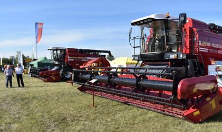 «Брянсксельмаш» продемонстрировал самые востребованные модели комбайнов красноярским аграриям