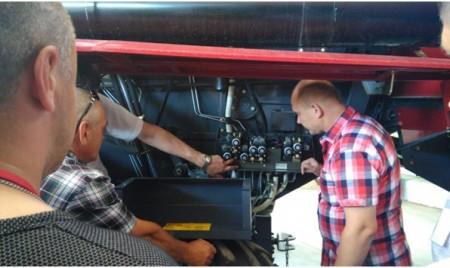 Механизаторы Омской области повысили квалификацию в дилерском центре «Брянсксельмаша»