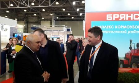 Более тысячи гостей посетили стенд «Брянсксельмаш» в день открытия юбилейной выставки «Молочная и мясная индустрия» в Москве