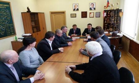 Студенты Смоленской сельхозакадемии будут обучаться на комбайнах «Брянсксельмаш»