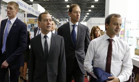 Дмитрий Медведев: импортозамещение в России развивается быстрее, чем планировалось
